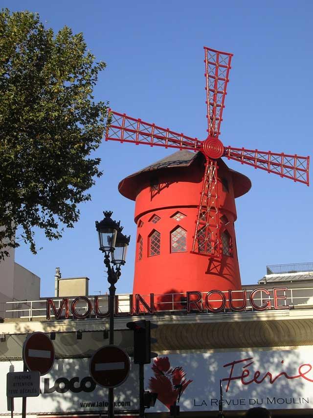 Красная мельница на Moulin Rouge
