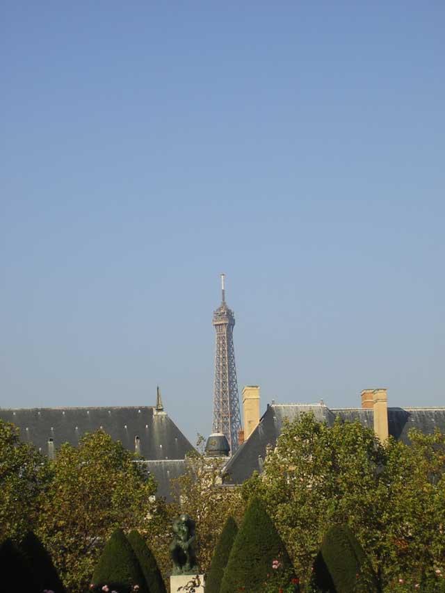 Эйфелева башня и Мыслитель Родена