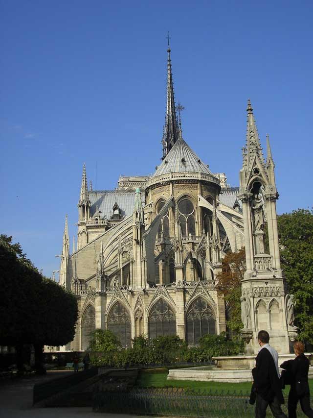 Собор Парижской Богоматери и Fontaine de la Vierge